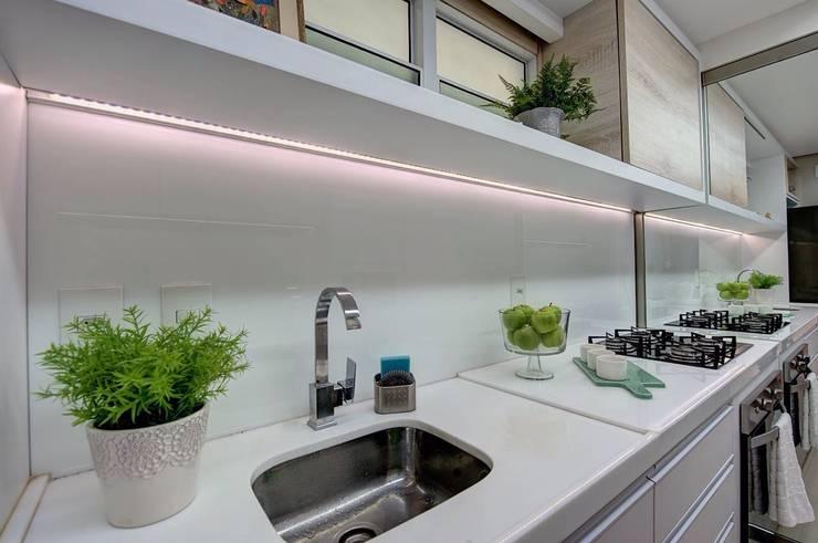 Cocinas de estilo  por Dome arquitetura
