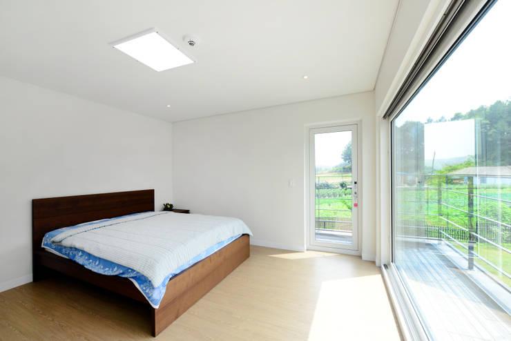 태안 방갈리 주택 : 코원하우스의  침실