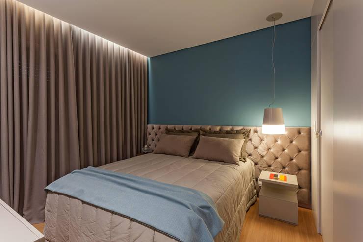 modern Bedroom by Botti Arquitetura e Interiores-Natália Botelho e Paola Corteletti