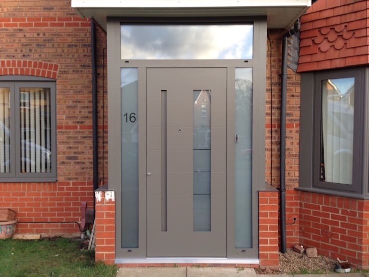 Puertas y ventanas de estilo moderno por homify