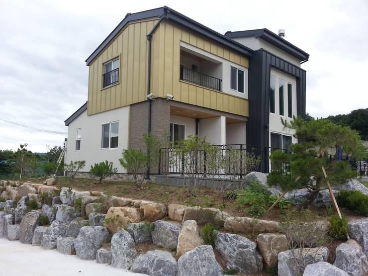 포천주택: Timber house의  주택