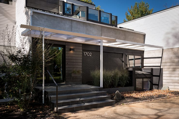 Cache House:  Houses by KUBE Architecture