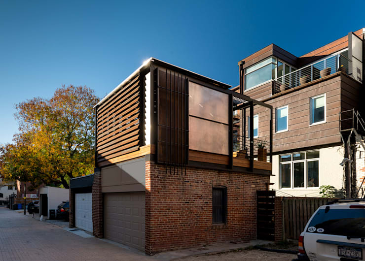 Allley Armor:  Garage/shed by KUBE Architecture
