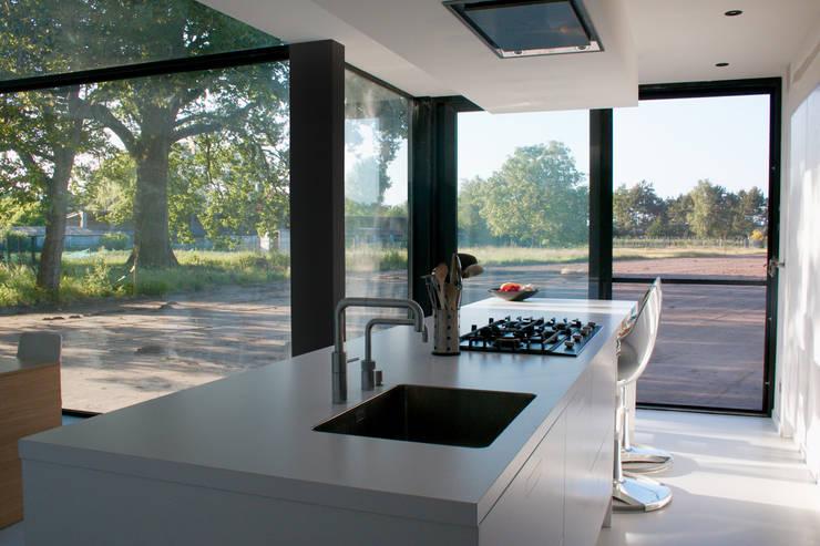 Cocinas de estilo  por Niko Wauters architecten bvba