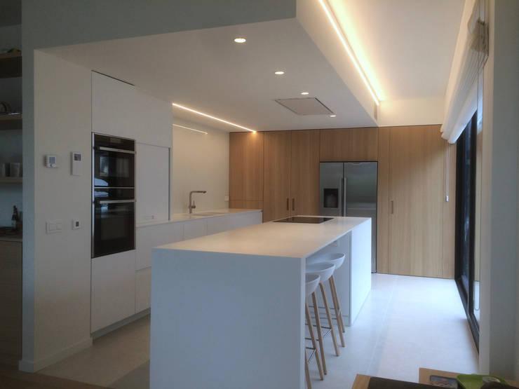 Keuken door Niko Wauters architecten bvba