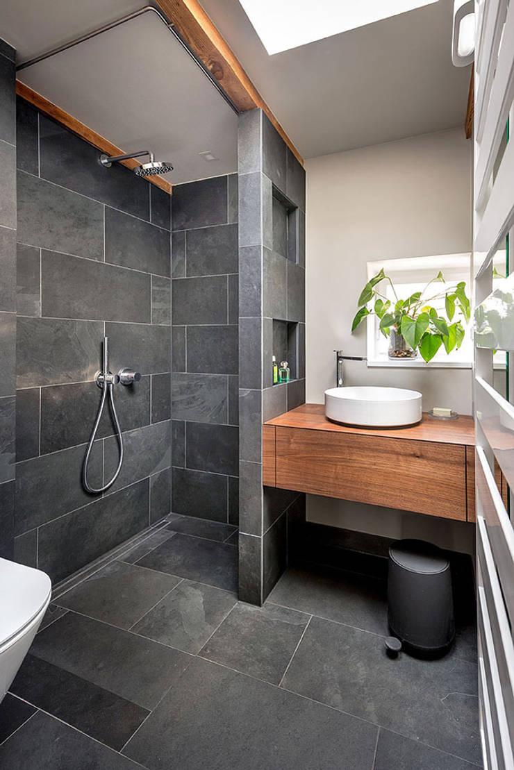 Badezimmer Schwarz Grau Schiefer Holz