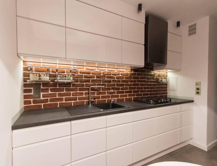 FLAT 2: styl , w kategorii Kuchnia zaprojektowany przez Luxon Modern Design Łukasz Szadujko