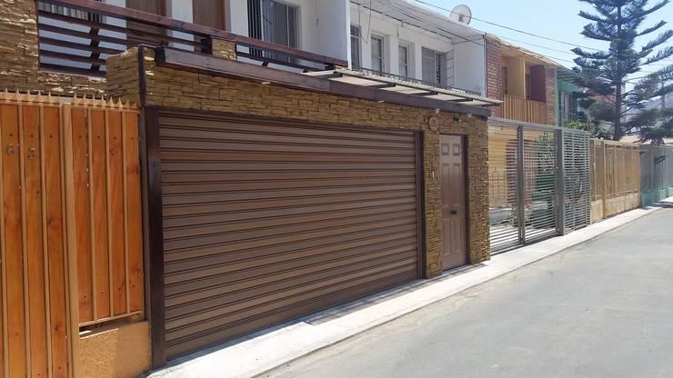 INSTALACION DE PUERTA SEGURIDAD:  de estilo  por Mettox construcciones