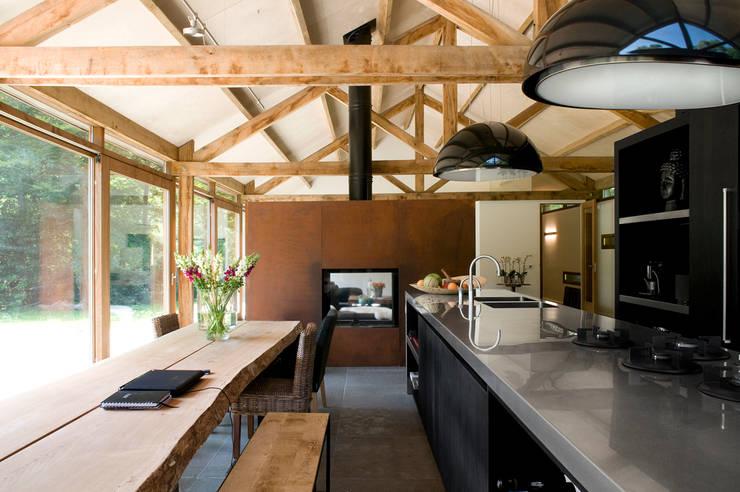 Cocinas de estilo  por WillemsenU , Moderno