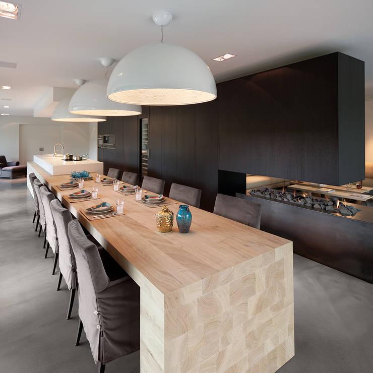 Renovatie Woonhuis M:  Keuken door WillemsenU