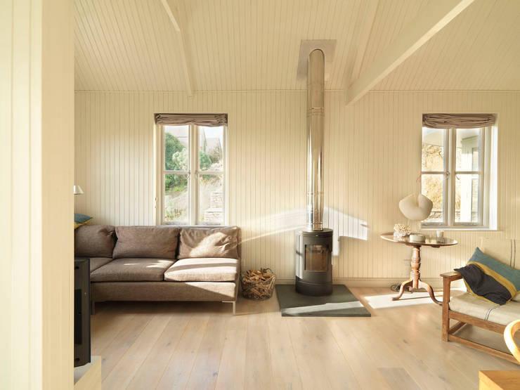 Tin House:  Living room by Austin Design Works