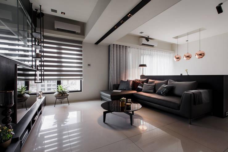 Projekty,  Salon zaprojektowane przez 大丘國際空間設計 ABMIDS