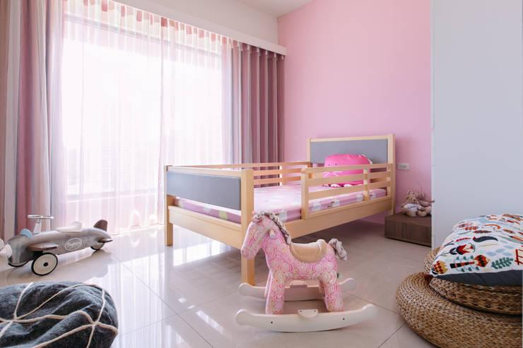modern Bedroom by 大丘國際空間設計 ABMIDS
