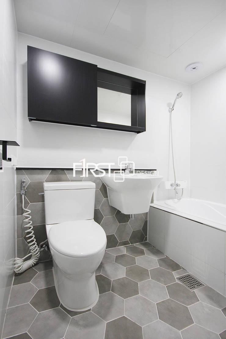 대공원 한신 휴 플러스 : 퍼스트디자인의  욕실,모던