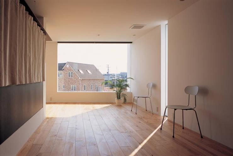 T-POP: 森裕建築設計事務所 / Mori Architect Officeが手掛けたオフィス&店です。