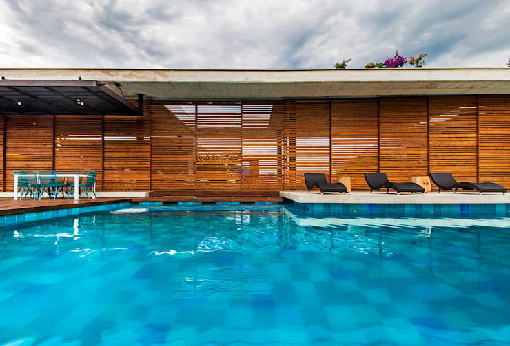 Fachada: Casas de estilo  por Arquitectura en Estudio