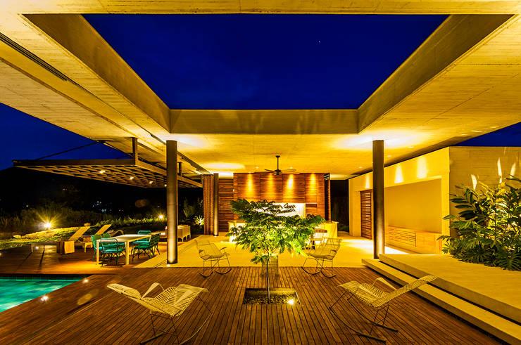 Patio: Salas de estilo  por Arquitectura en Estudio