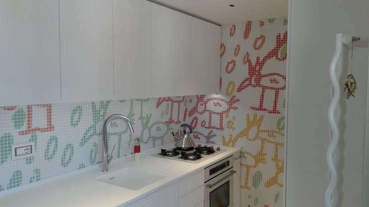 CUCINA : Cucina in stile  di GEMANCO DESIGN SRL, Moderno Piastrelle