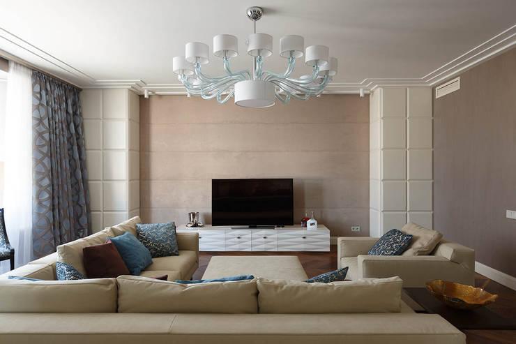 غرفة المعيشة تنفيذ Студия дизайна интерьера в Москве 'Юдин и Новиков'
