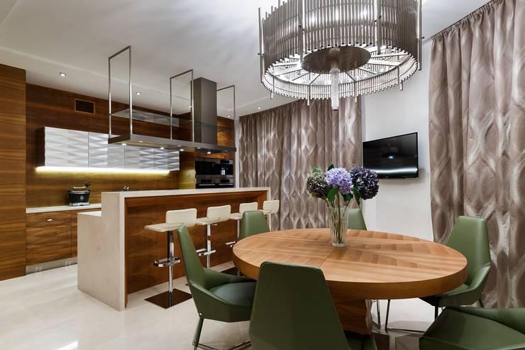 مطبخ تنفيذ Студия дизайна интерьера в Москве 'Юдин и Новиков'