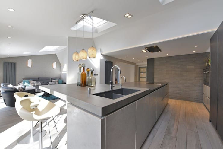 Mr & Mrs Birch: modern Kitchen by Diane Berry Kitchens