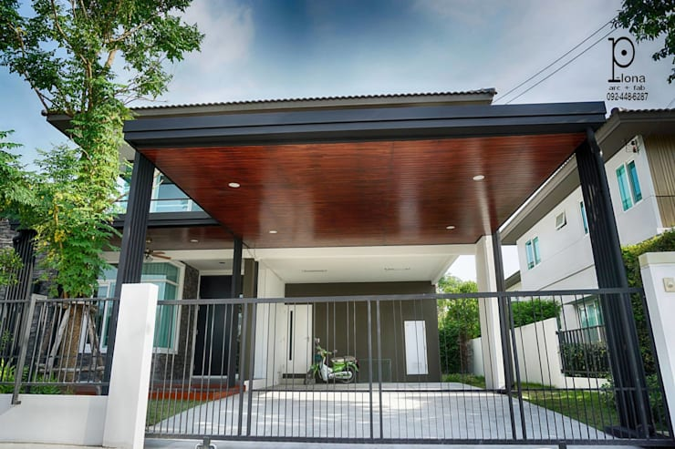 Garage/shed by P-lona