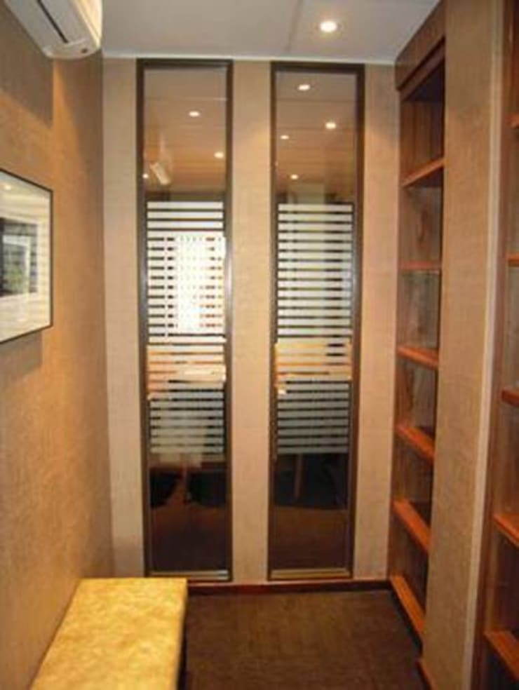 Partitioning :  Office buildings by Sight Projects + Interiors (PTY) LTD