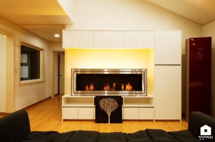 친친디 1호 <산청의 봄>: 친친디 하우스 프로젝트의  다이닝 룸