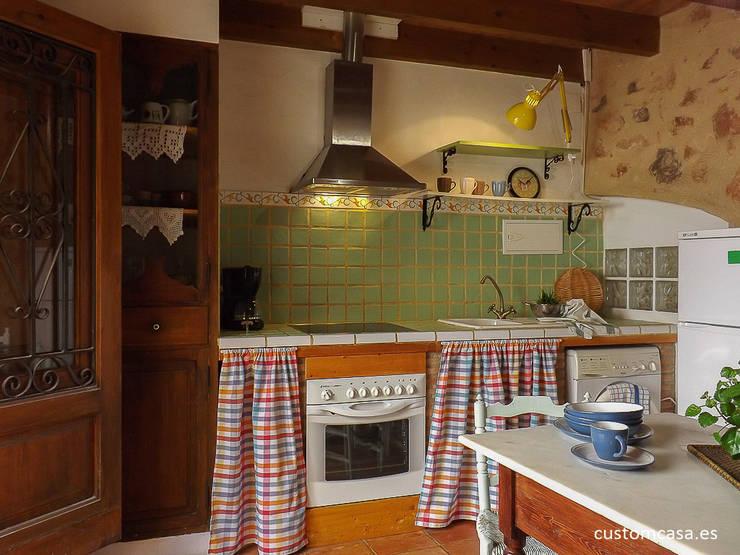 La casita de Marie_Home staging para vender: Cocinas de estilo mediterráneo de custom casa home staging