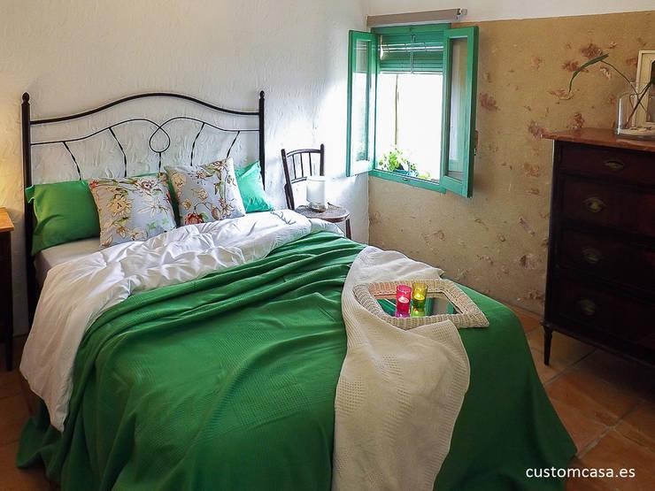 Dormitorios de estilo  por custom casa home staging