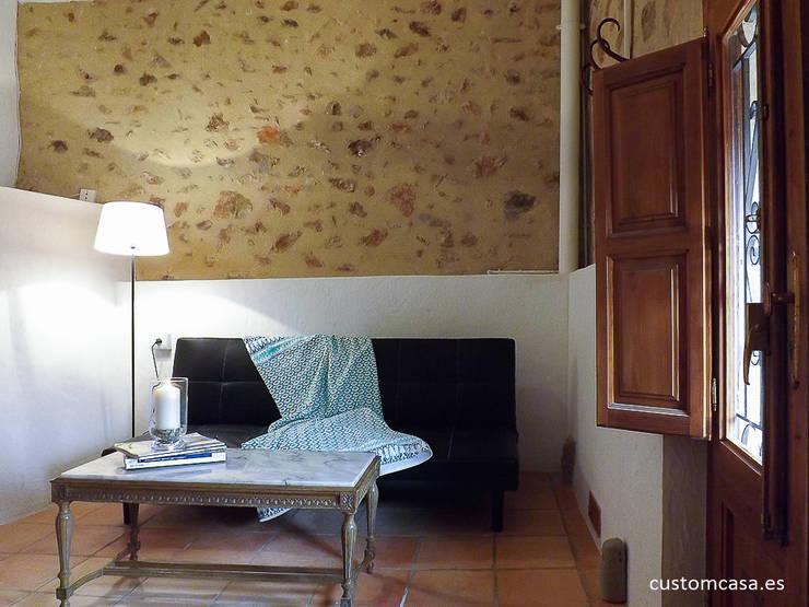La casita de Marie_Home staging para vender: Salones de estilo mediterráneo de custom casa home staging