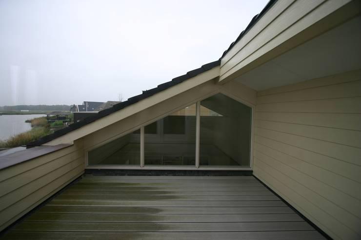 Patios & Decks by buro voor advies en architectuur pieter e. bolhuis, Country Wood Wood effect