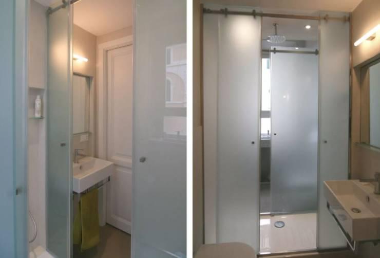 Salle de bains de style  par Laura Pistoia architetto,