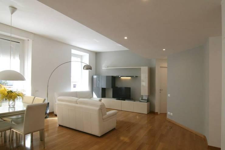 غرفة المعيشة تنفيذ Laura Pistoia architetto