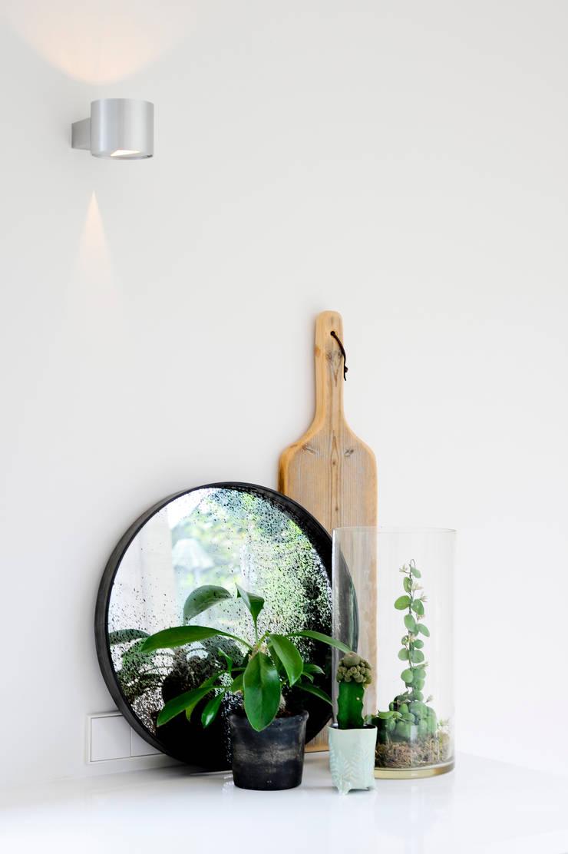 Keuken metamorfose: modern  door JO&CO interieur, Modern