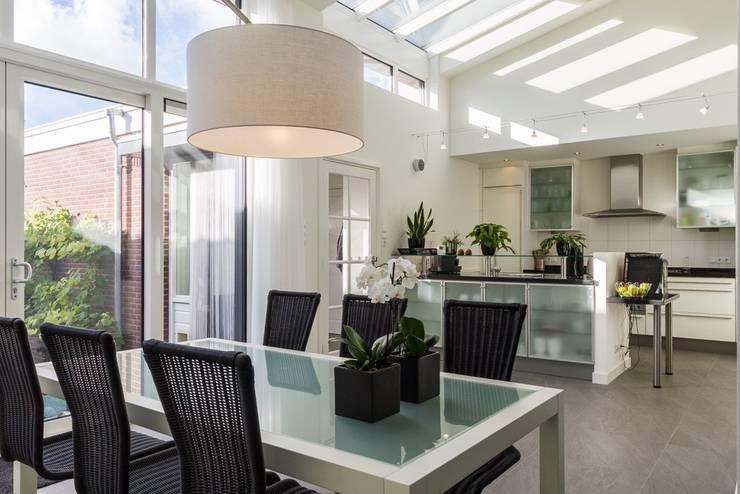 Verbouwing Zevenhuizen:  Eetkamer door MW architectuur, Modern