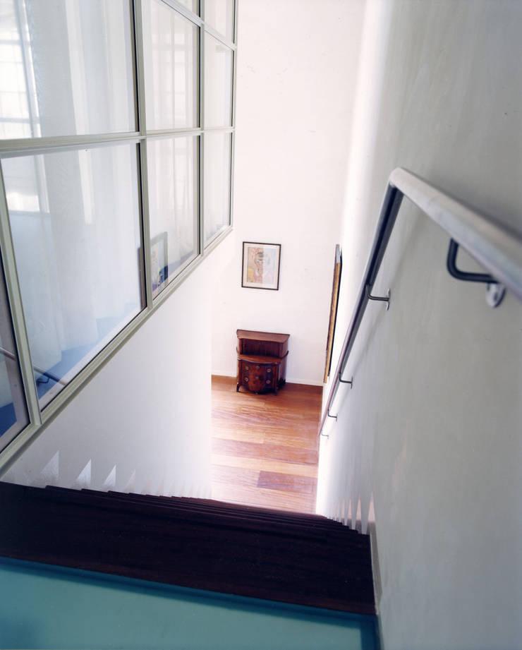 Pakhuis, Amsterdam:  Gang en hal door VASD interieur & architectuur, Modern