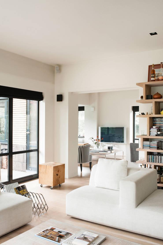 Villa, Amstelveen:  Woonkamer door VASD interieur & architectuur