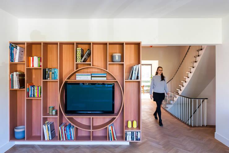 SV:  Woonkamer door van staeyen interieur architecten
