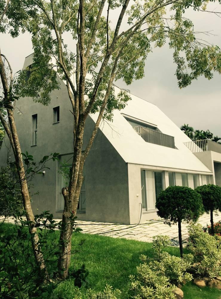 野丘之家外觀:  房子 by 哈塔阿沃建築設計事務所 hataarvo architects