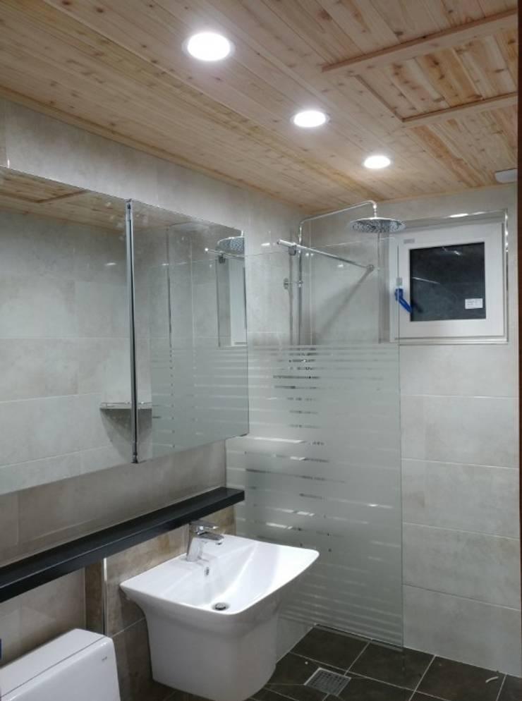 상주 평지리 : Goodhaus의  욕실