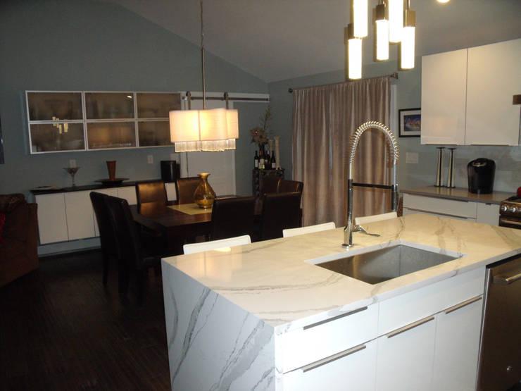 White Contemporary Kitchen:  Kitchen by Kitchen Krafter Design/Remodel Showroom