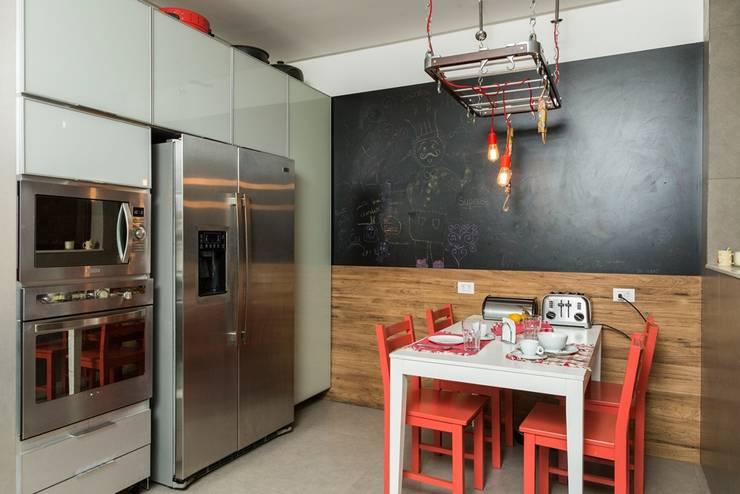 Nhà bếp by Espaço Tania Chueke