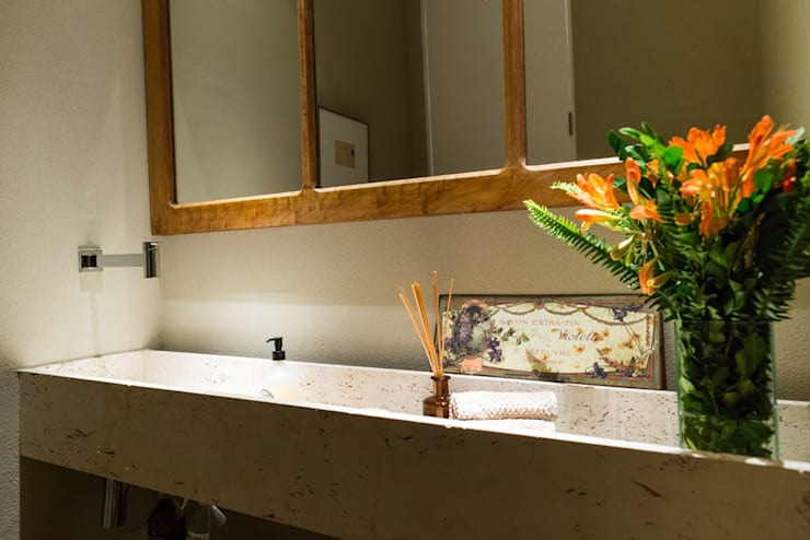 Casa Gávea: Banheiros  por Espaço Tania Chueke