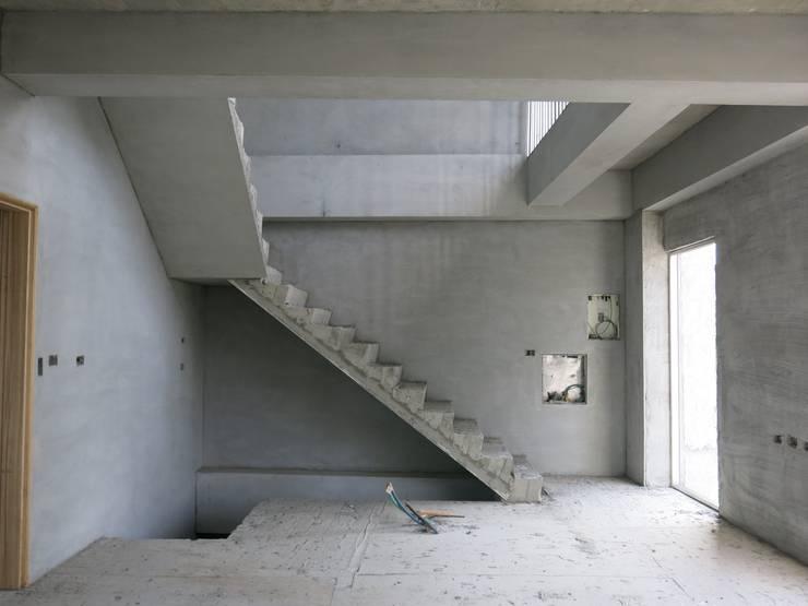 白河W宅:  臥室 by 兆博建築