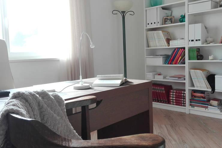 Estudios y oficinas de estilo clásico por homify