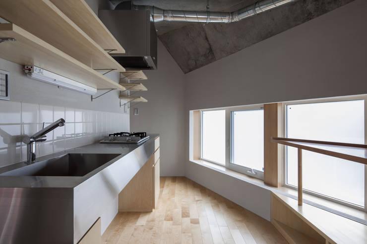 成瀬のオフグリッドハウス: abanba inc.が手掛けたキッチンです。