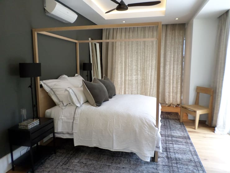 Guest Bedroom: eclectic  by Claire Cartner Interior Design, Eclectic Flax/Linen Pink