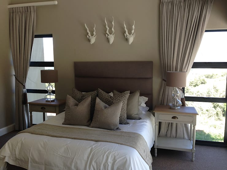 Clarens Mountain Estate :  Bedroom by Katie Allen Decor & Design/Urban Yuppi