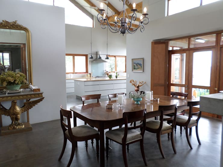 Dining room: eclectic  by Claire Cartner Interior Design, Eclectic Cork
